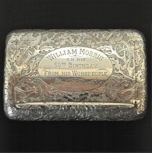 A silver snuff box-0
