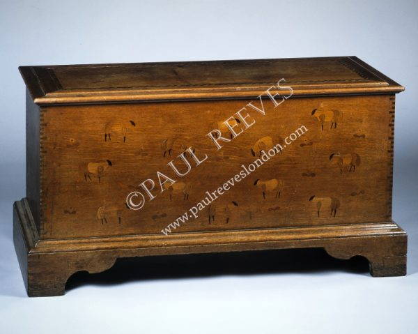 An inlaid coffer -0