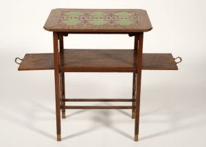 A tiled top table -637