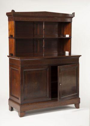 A mahogany cabinet -655