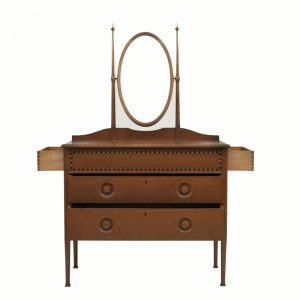 An inlaid oak dressing table-666