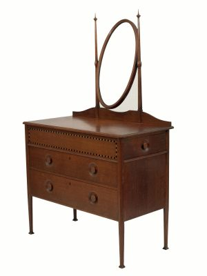 An inlaid oak dressing table-660