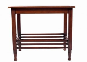A mahogany table -0