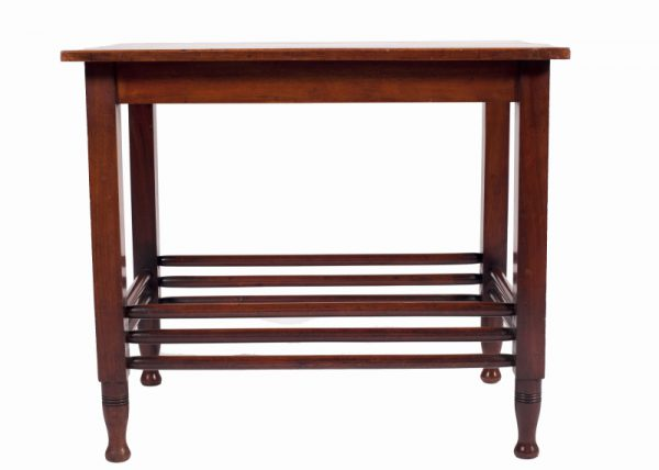 A mahogany table -0