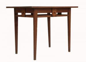 An inlaid oak table -961