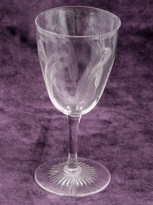 A carafe and six glasses -1168