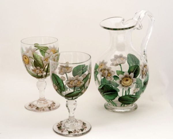 An enamelled glass jug with two goblets-0