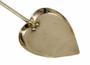 A brass coal shovel -1254