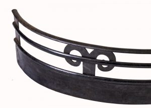 An Arts and Crafts iron fender-1864