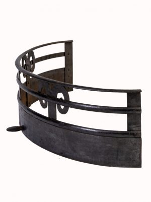 An Arts and Crafts iron fender-1866