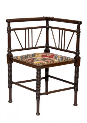 A Thebes corner chair